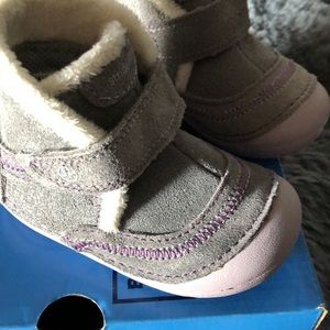 Stride rite NEW IN BOX Toddler boots 4 1/2 w
